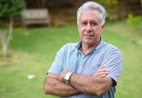 Entrevista com o Professor Acelino Couto Alfenas